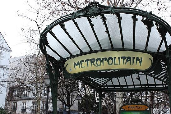 2008_1263717736_paris---art-nouveau-metro-stop